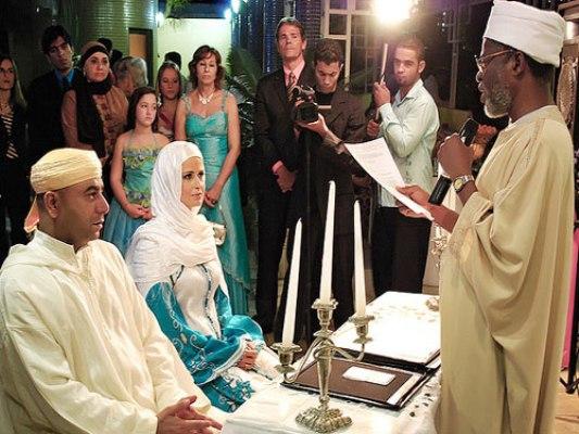 As mulheres s à procura de casamento Plana-3324