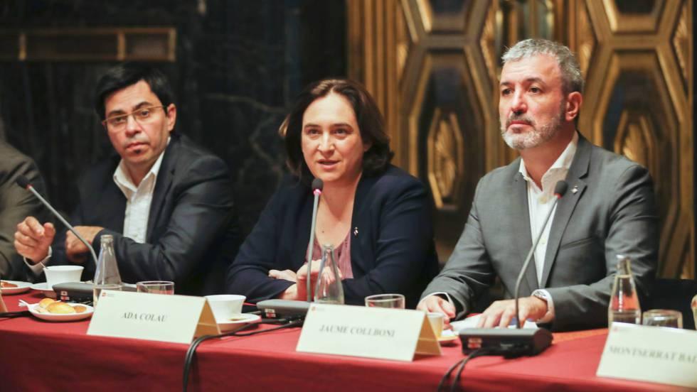 Clube de mulheres solitárias no Barcelona-2400