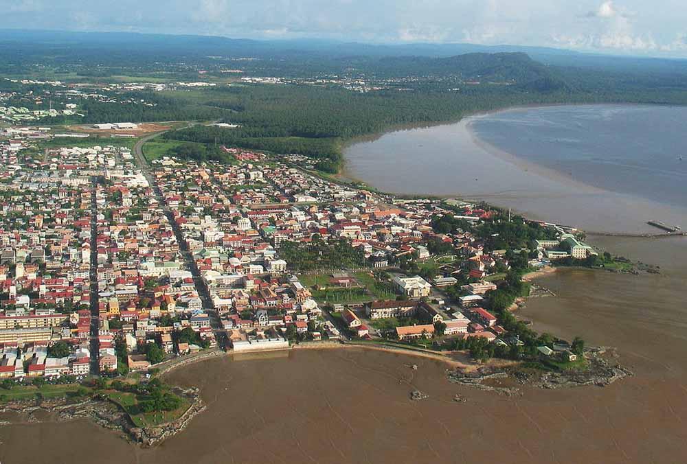 Madura procurando em French Guiana-1778