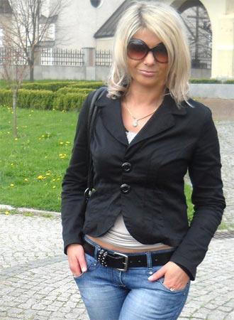 Mulheres procuram amde Leiria-2401