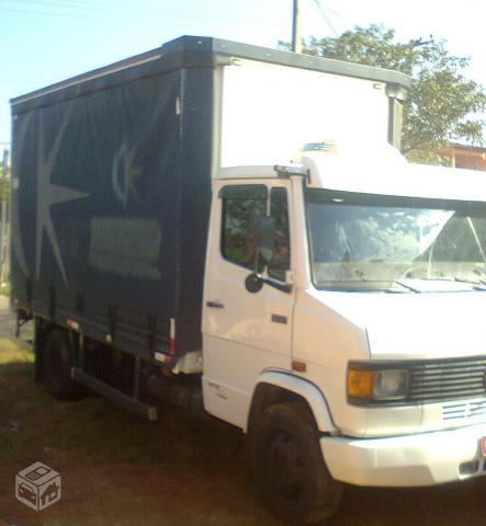 Uncios caminhões em Gravataí-9737